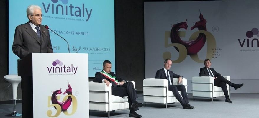 """""""Il vino è rivincita sociale"""": il presidente Mattarella a Vinitaly"""