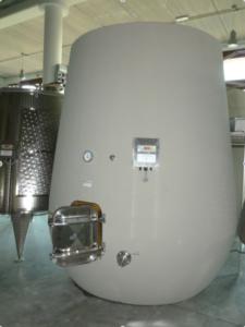 Serbatoio di vinificazione in cemento