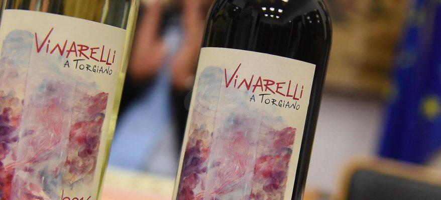 Vinarelli: a Torgiano, in Umbria, si dipinge con il vino