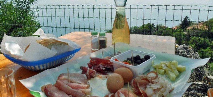 Le osmize di Trieste, istituzioni del buon cibo