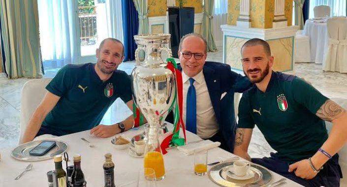 L'Italia Campione d'Europa festeggia con il Brunello